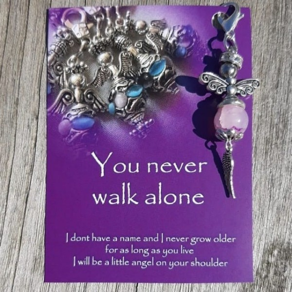 You Never Walk Alone Geluksengel Uncumo